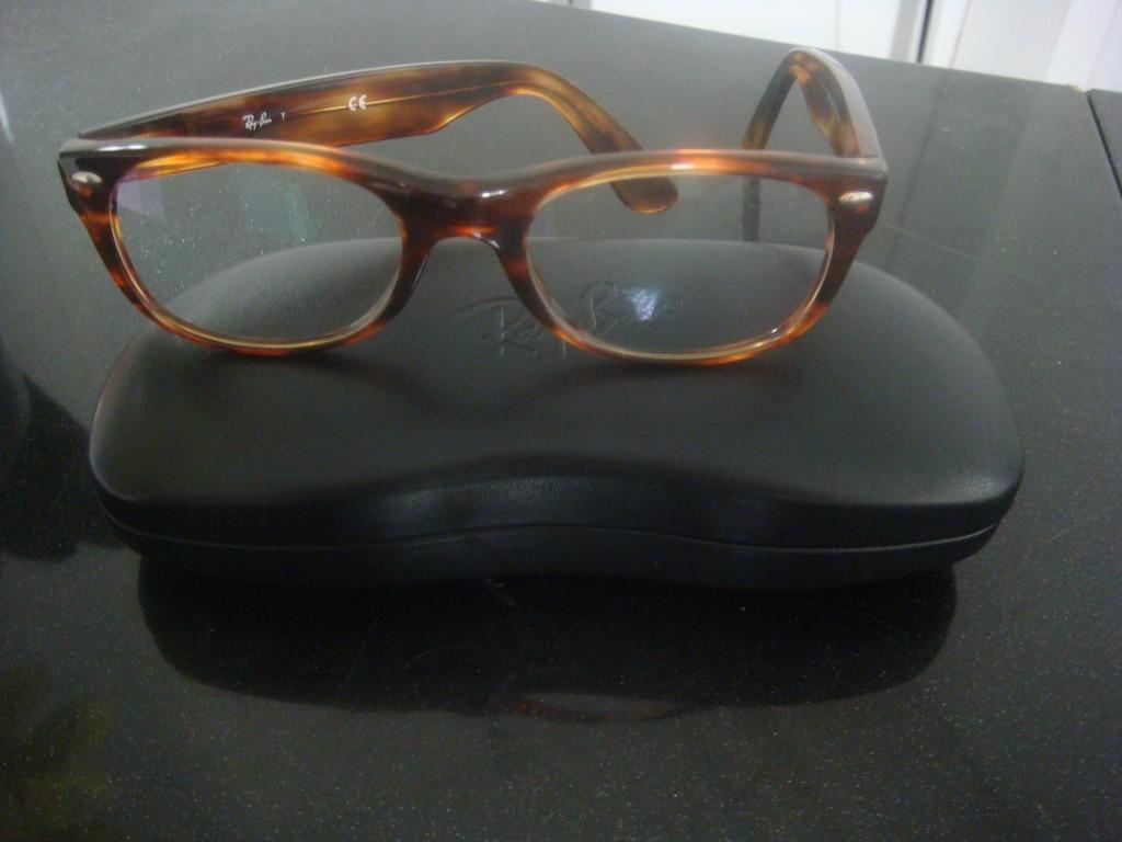 Les lunettes à monture épaisses conviennent aux grands fronts !