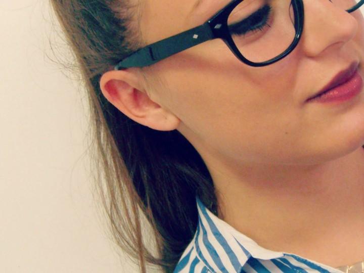 734085657a Comment se maquiller avec des lunettes
